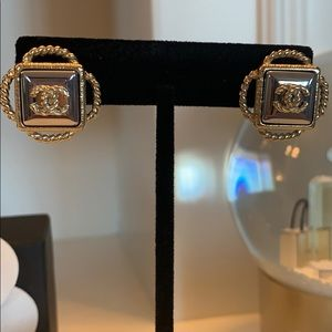 💯 Authentic Chanel Earrings
